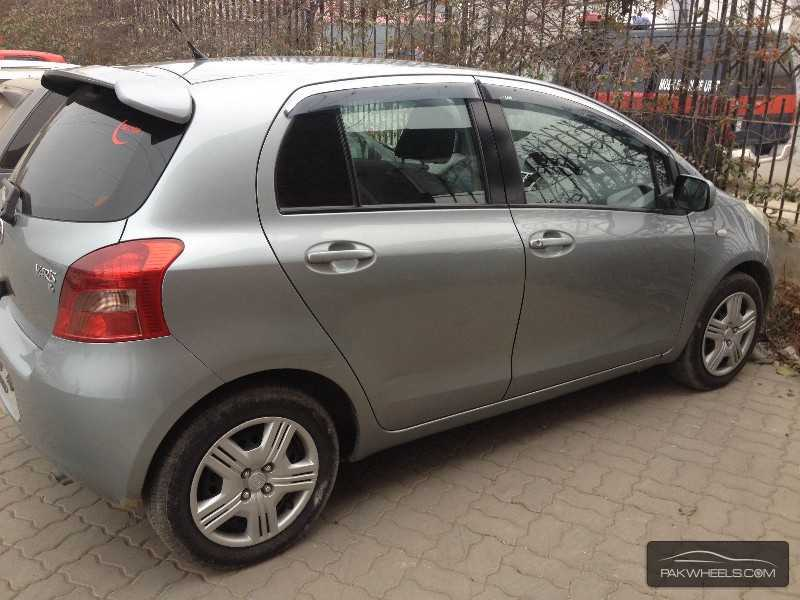 toyota yaris 2006 for sale in faisalabad pakwheels. Black Bedroom Furniture Sets. Home Design Ideas