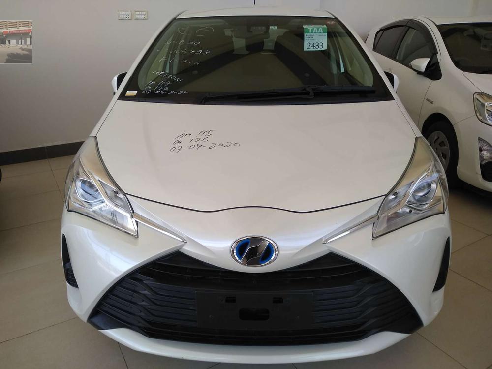 Toyota Vitz F 1.5 2017 Image-1
