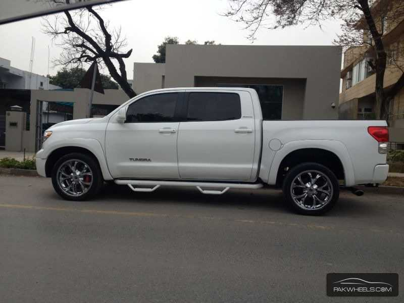 toyota tundra 2010 for sale in lahore pakwheels. Black Bedroom Furniture Sets. Home Design Ideas
