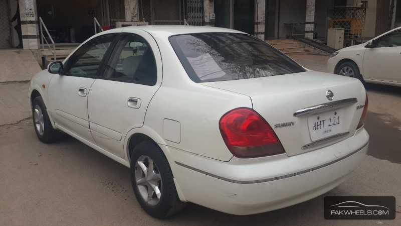 Nissan Sunny EX Saloon 1.3 (CNG) 2005 Image-5