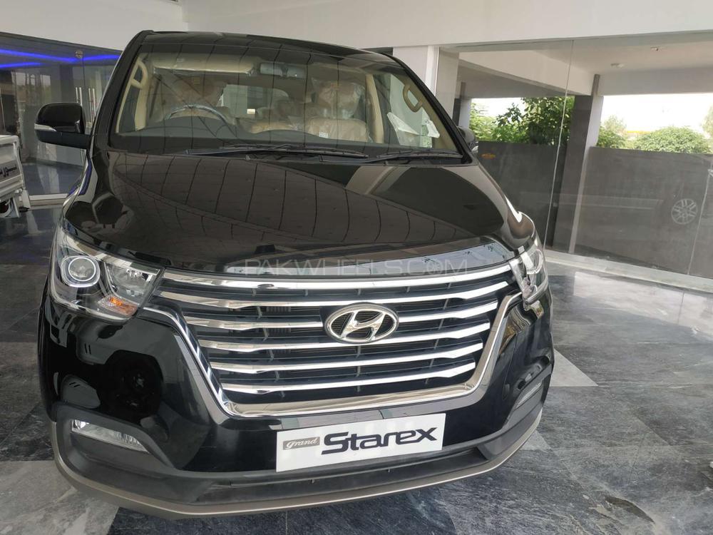 Hyundai Grand Starex GLX 2020 Image-1