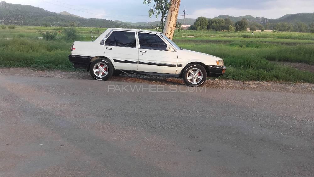 Toyota Corolla GL Saloon 1986 Image-1