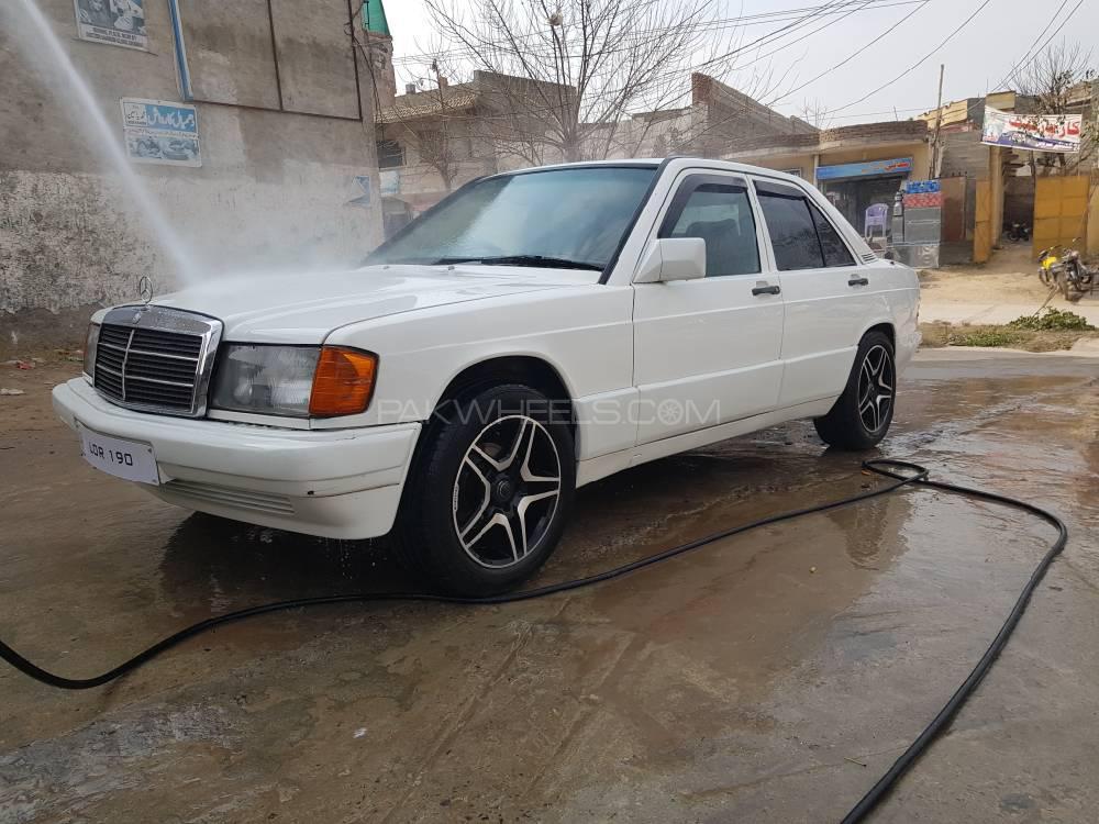Mercedes Benz D Series 1986 Image-1