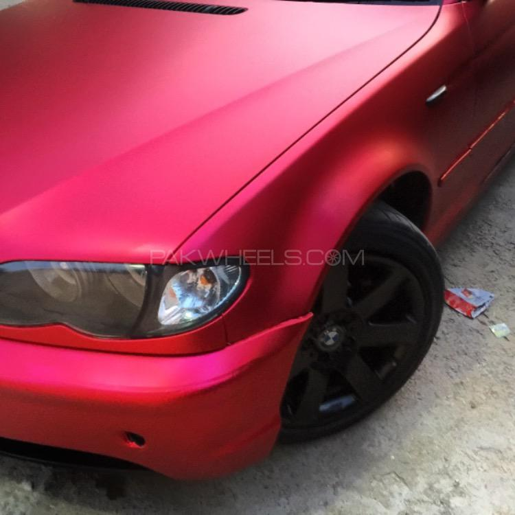 BMW 3 Series - 2004  Image-1