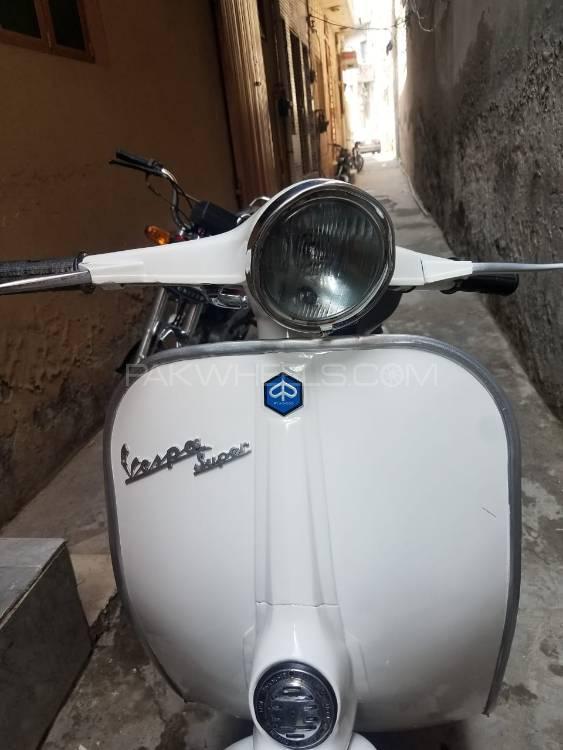Vespa 150cc 1968 Image-1
