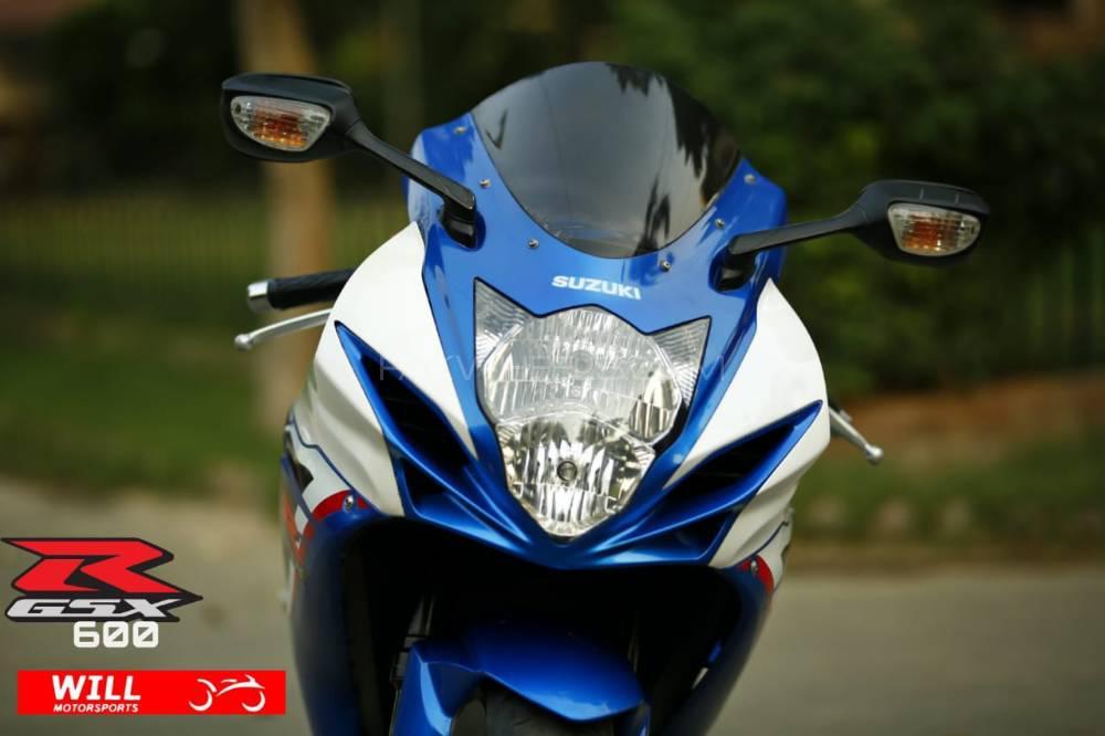 Suzuki GSX-R600 2013 Image-1