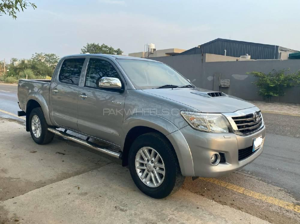Toyota Hilux Invincible X 2015 Image-1