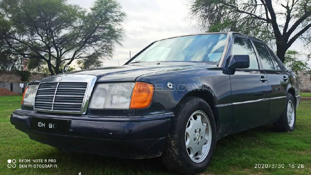 Mercedes Benz E Class E300 1992 Image-1