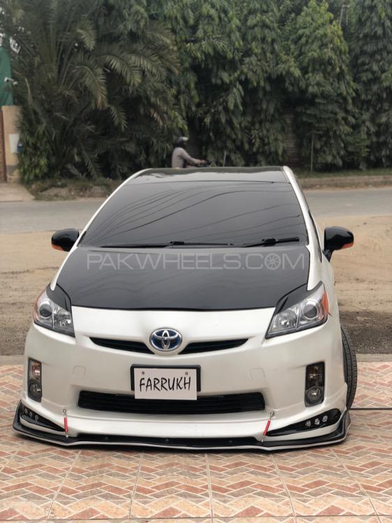 Toyota Prius - 2011  Image-1