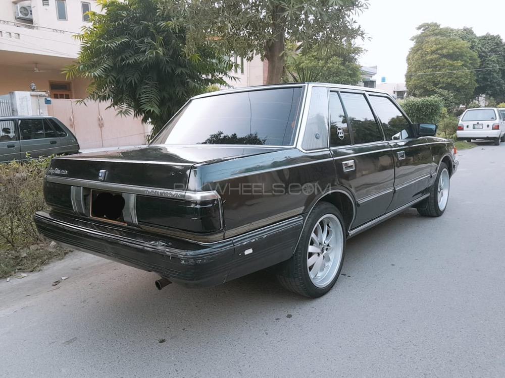 Toyota Crown - 1986  Image-1