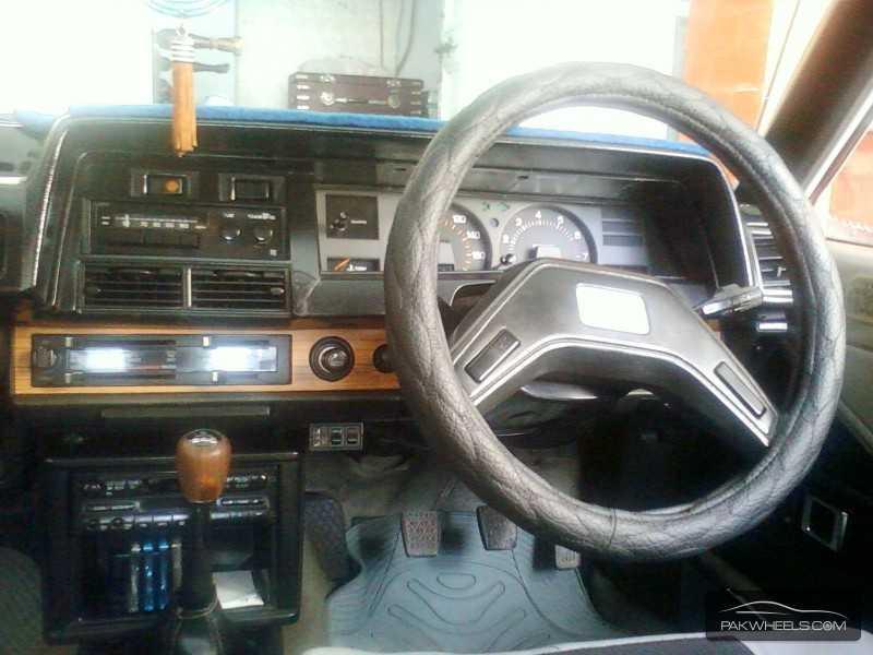 Toyota Corolla SE Limited 1982 Image-3
