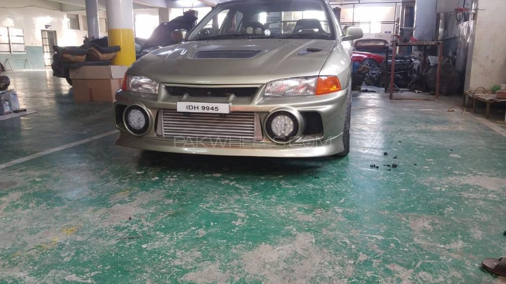 Mitsubishi Lancer Evolution - 1996  Image-1