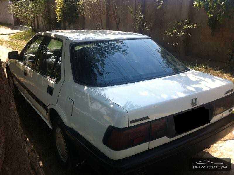 Honda Accord EX 1988 Image-1