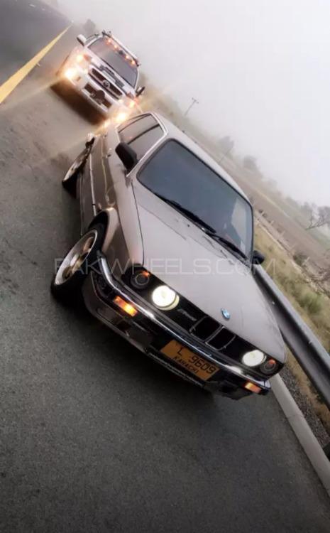 BMW 3 Series - 1986  Image-1