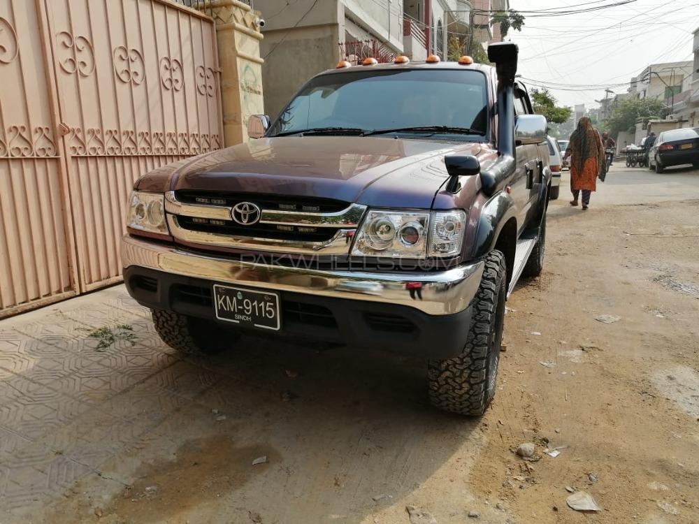 Toyota Hilux - 2005  Image-1