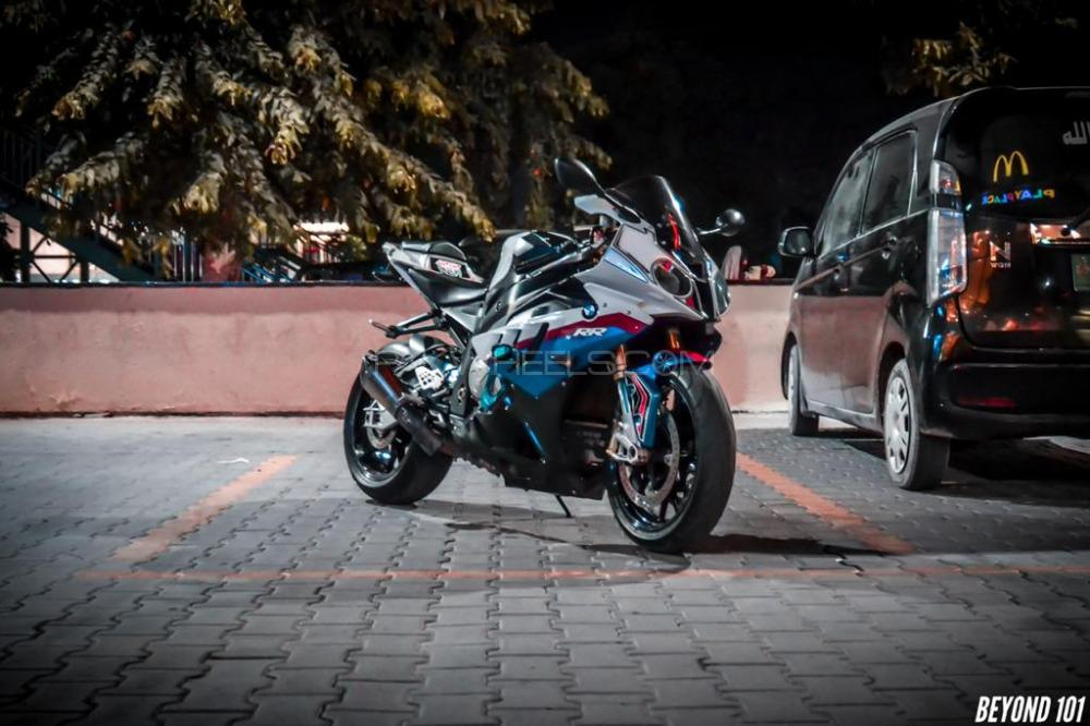 BMW S1000RR - 2011  Image-1