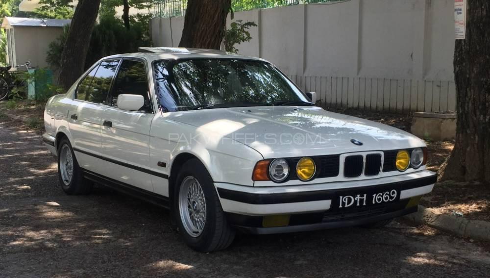 BMW 5 Series - 1992  Image-1