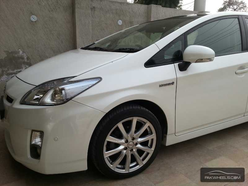 Toyota Prius G Touring Selection Leather Package 1 5 2010