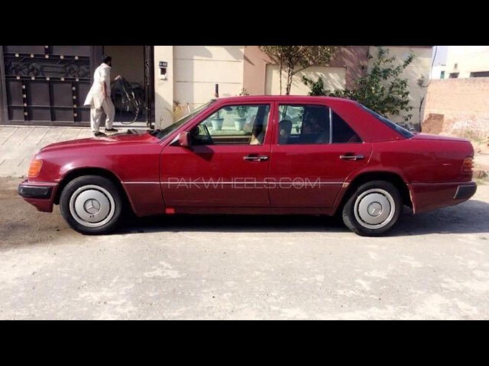 Mercedes Benz 200 D 1993 Image-1
