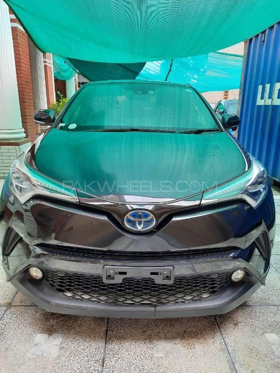 Toyota C-HR G 1.8 2017 Image-1