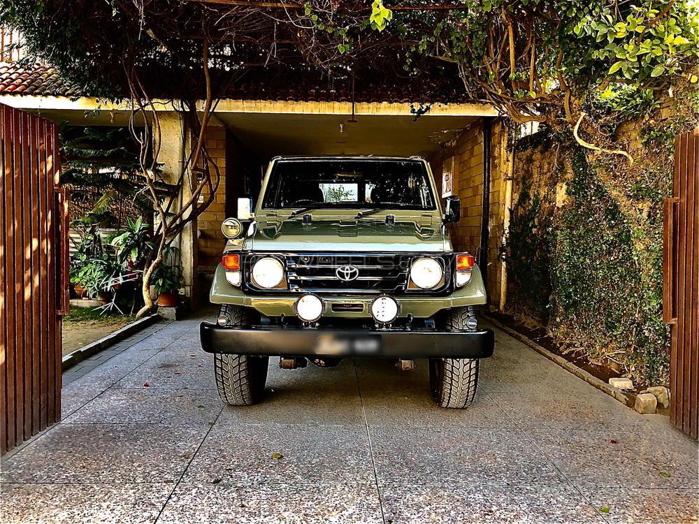 Toyota Land Cruiser - 1987 RKR Image-1
