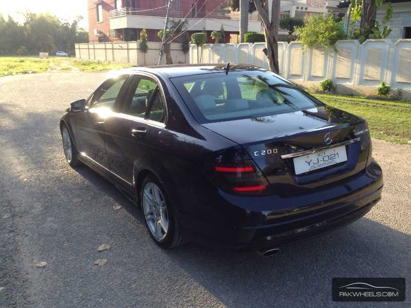 used mercedes benz c class c200 2009 car for sale in sialkot 826614 pakwheels. Black Bedroom Furniture Sets. Home Design Ideas
