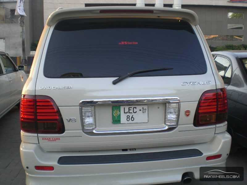 Toyota Land Cruiser Cygnus 2003 Image-6