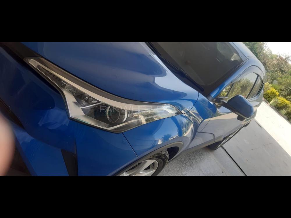 Toyota C-HR 1.2 Turbo 2016 Image-1
