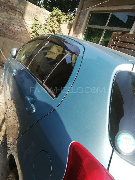 Toyota Vitz 2006 Image-1
