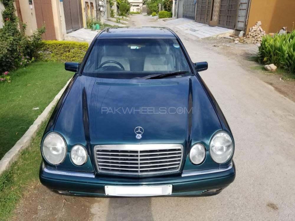 Mercedes Benz E Class E200 1996 Image-1