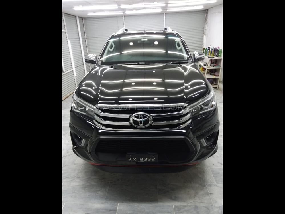 Toyota Hilux Revo V Automatic 2.8 2018 Image-1