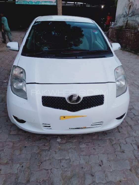 Toyota Vitz F 1.3 2006 Image-1