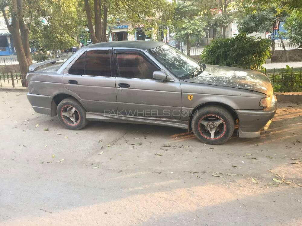 Nissan Sunny 1993 Image-1