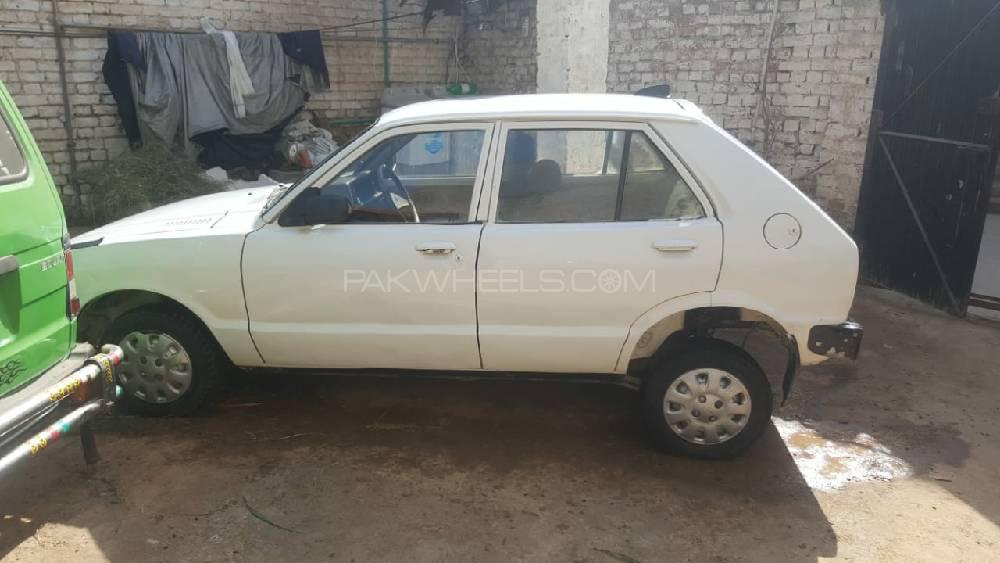 Datsun 1000 1981 Image-1