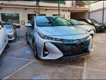 Toyota Prius A Premium 2017 Image-1
