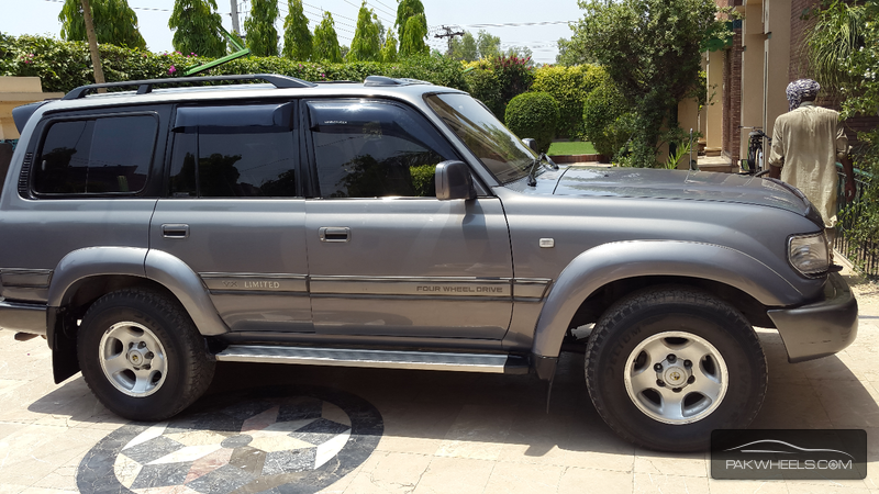 toyota land cruiser ax 1997 for sale in faisalabad pakwheels. Black Bedroom Furniture Sets. Home Design Ideas