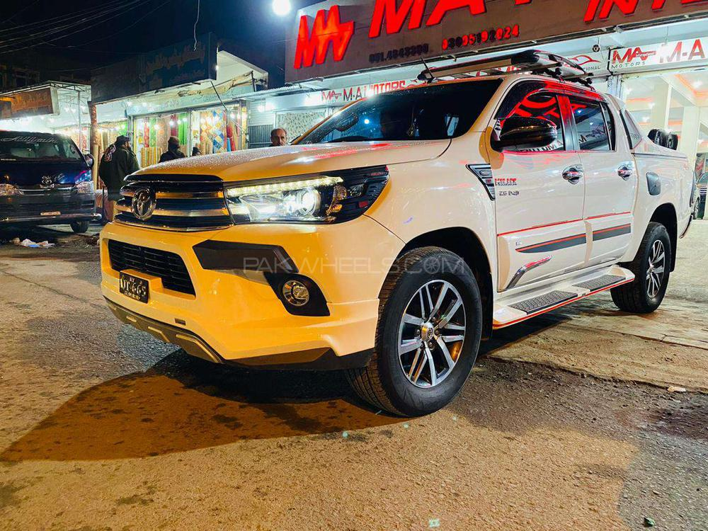 Toyota Hilux Revo G Automatic 2.8 2018 Image-1