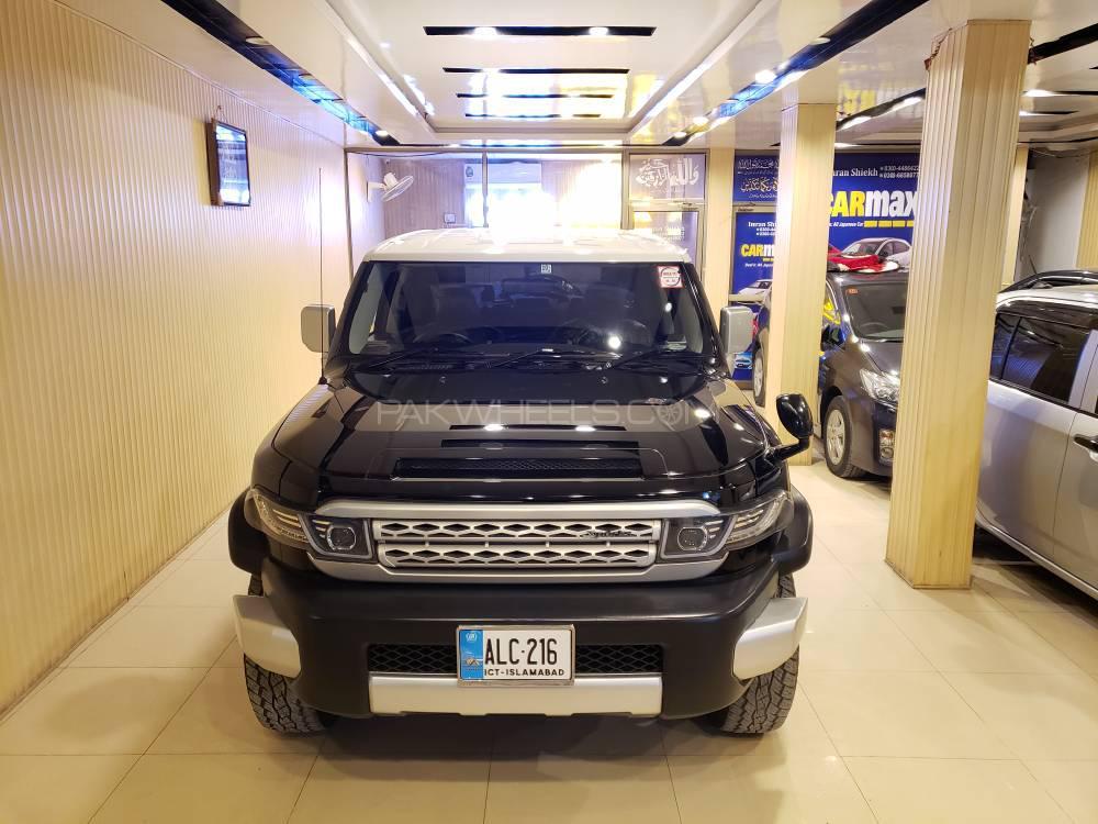 Toyota Fj Cruiser Automatic 2013 Image-1