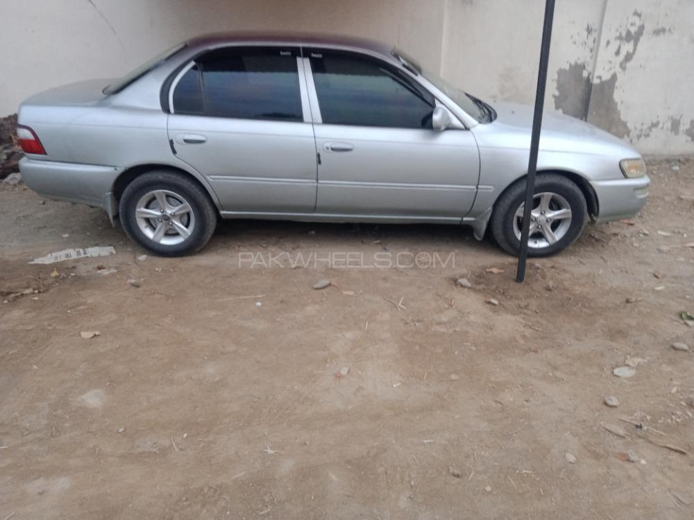 Toyota Corolla 2.0D Limited 2000 Image-1