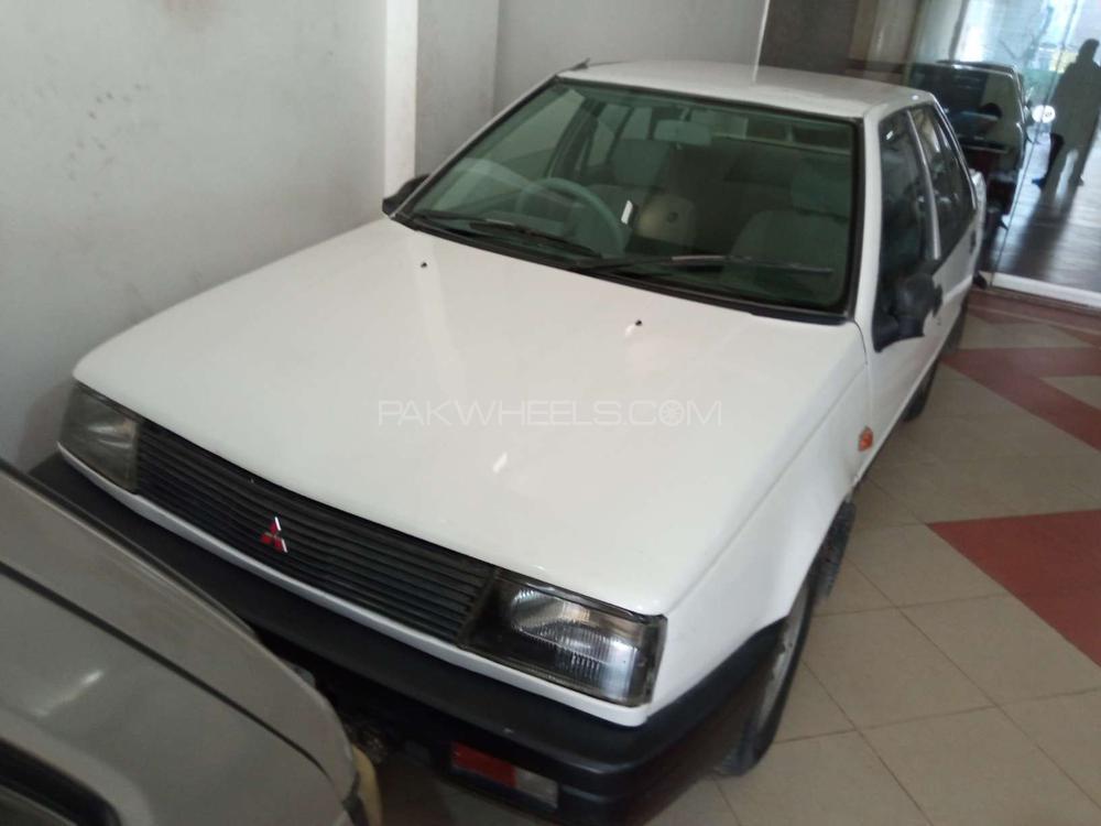 Mitsubishi Lancer GLX 1.3 1983 Image-1