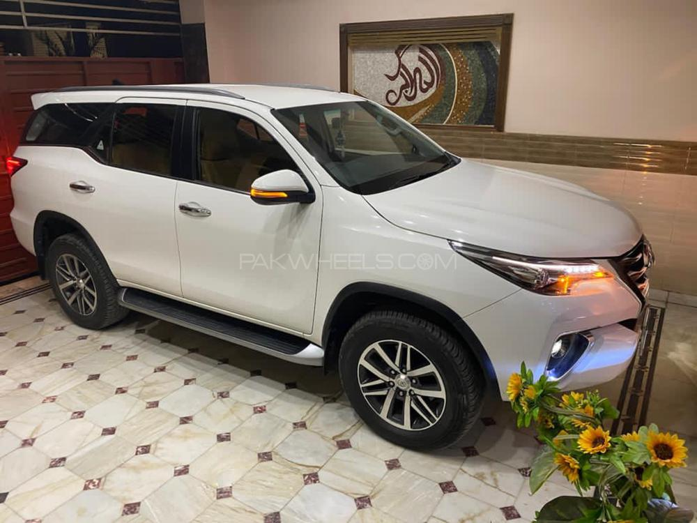 Toyota Fortuner 2.8 Sigma 4 2019 Image-1