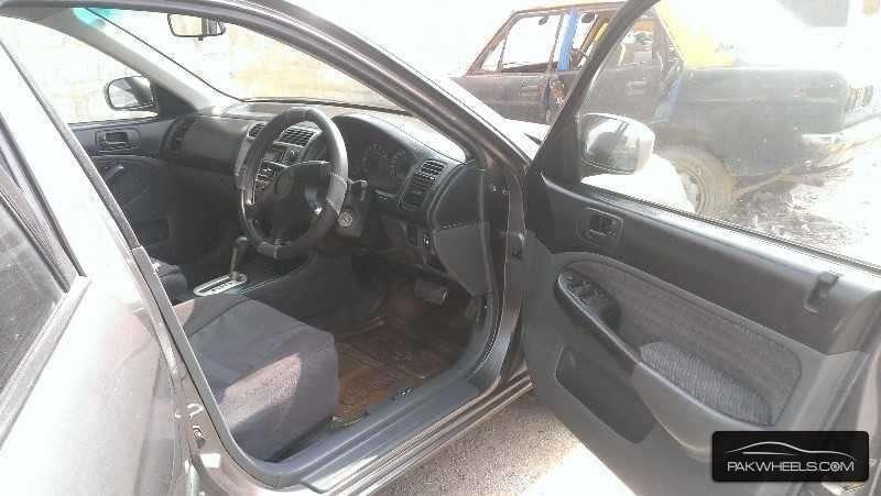 Honda Civic VTi Prosmatec 1.6 2001 Image-4