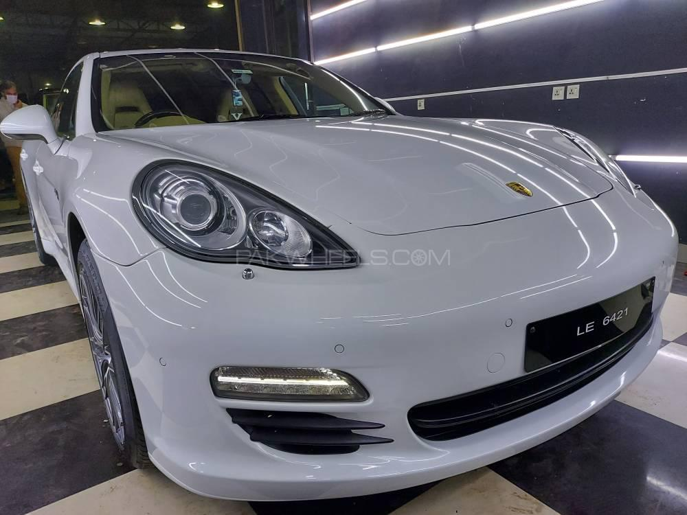 Porsche Panamera S Hybrid 2012 Image-1