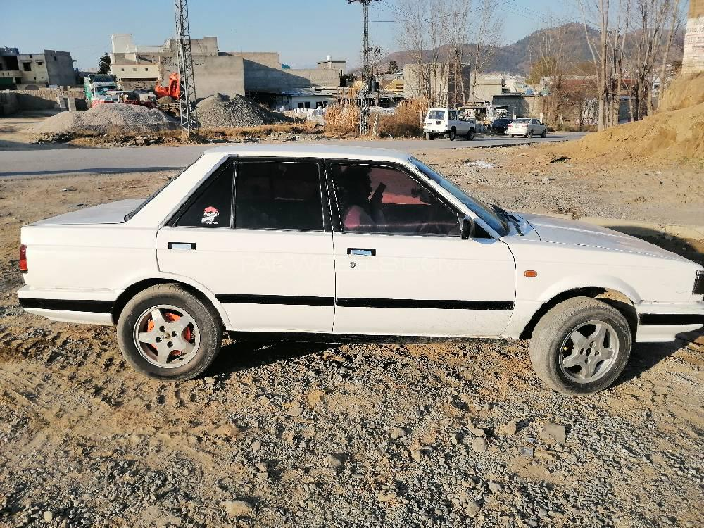 Nissan Sunny Super Saloon 1.6 (CNG) 1986 Image-1