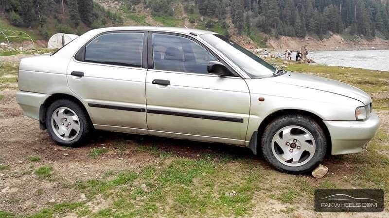 Suzuki Baleno GXi 2000 Image-2