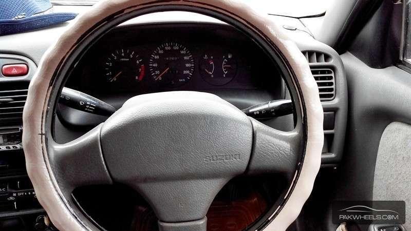 Suzuki Baleno GXi 2000 Image-6