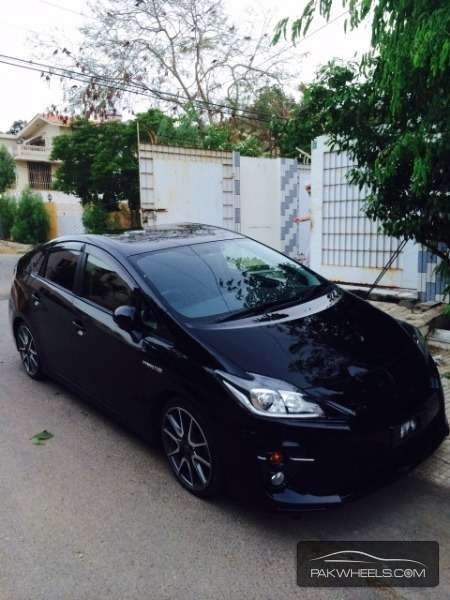 Toyota Prius S Touring Selection GS 1.8 2012 Image-4