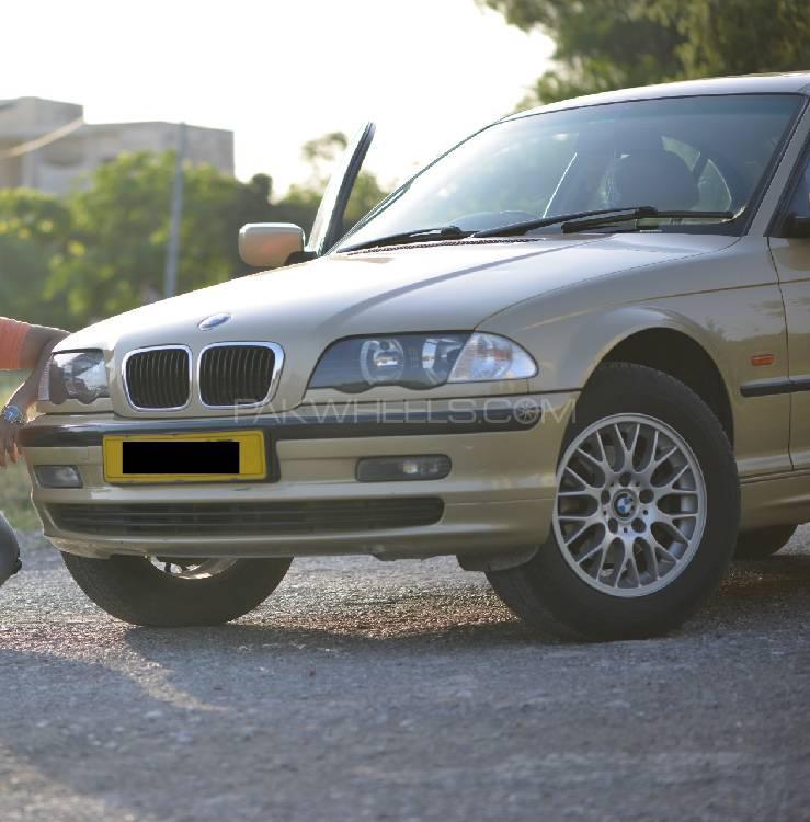 BMW / بی ایم ڈبلیو 3 سیریز 318i 2000 Image-1