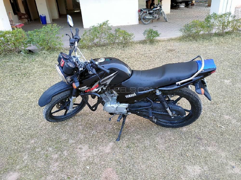 Yamaha YBR 125 2015 Image-1