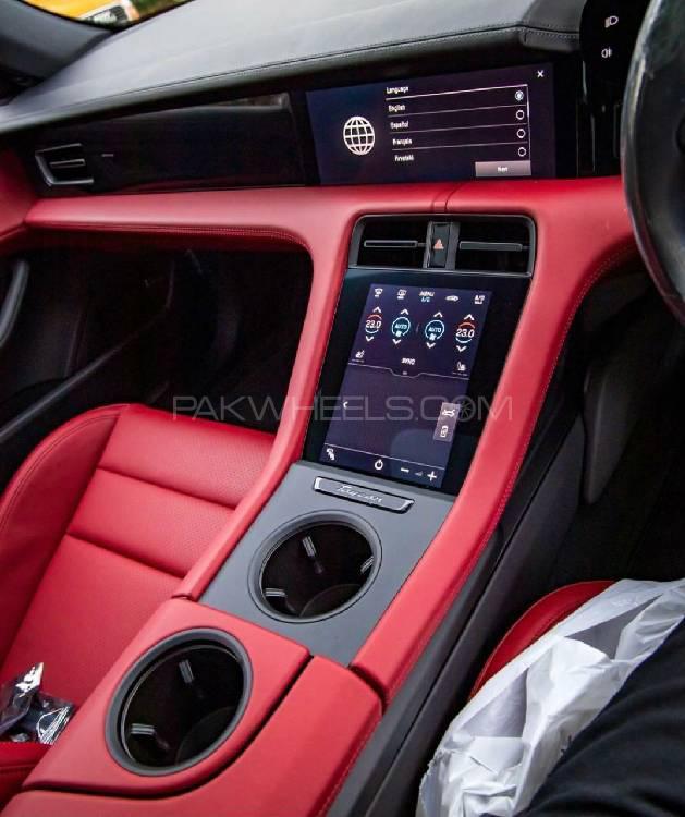 Porsche Taycan 4S 2021 Image-1